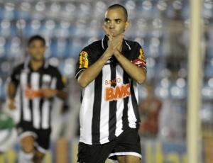 Diego Tardelli acredita que vitória sobre Guarani ajudará Atlético a ganhar como visitante