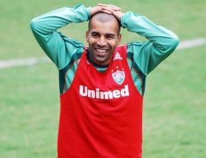 Atacante Emerson gostaria de renovar seu contrato com o Fluminense por mais cinco temporadas
