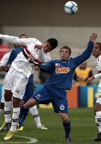 Montillo aprova sua estreia, mas lamentou o empate no final