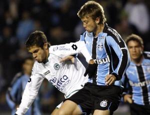 Gremista Neuton foi destaque defensivo do Grêmio no duelo contra o Goiás que o time tricolor venceu