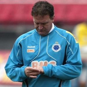 Cuca diz que Cruzeiro, que vem de dois empates no Brasileiro, não pode vacilar pela terceira vez