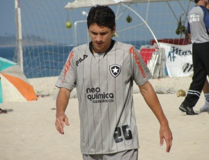 Meia Lucio Flavio perdeu espaço no time titular nas duas últimas partidas do Botafogo no Brasileiro