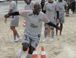Novo camisa 10, volante Somália marcou dois gols nas duas últimas partidas do clube carioca