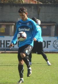 Uendel mal jogou e já está cotado para ser emprestado pelo Grêmio