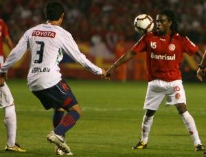 Tinga, bicampeão da Libertadores, quer ser campeão brasileiro com o Internacional neste ano