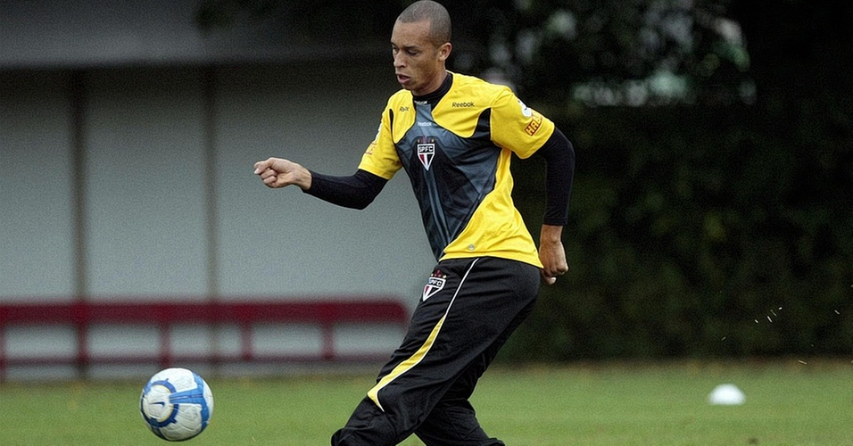 Miranda treina no São Paulo