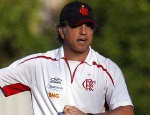 Pressão modifica convicções do treinador do Fla