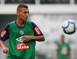 Alan Patrick teve a última chance no profissional contra o Palmeiras, dia 15 de julho, no Pacaembu. O meia desagradou Dorival e foi substituído.