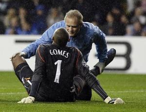 Gomes se machucou em partida do Tottenham na Liga dos Campeões e acabou cortado da seleção
