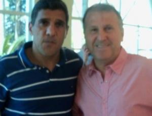 Silas (à esquerda) se reuniu com Zico e acertou todos os detalhes para ser o treinador do Flamengo
