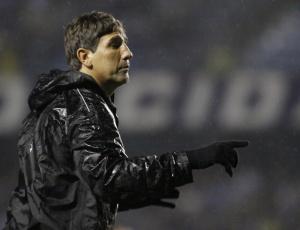 Renato Gaúcho imagina repetição de time mas precisa esperar por Douglas que sente o púbis