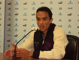 Lúcio quer presença do torcedor para Grêmio crescer no Brasileiro com vitórias no Olímpico