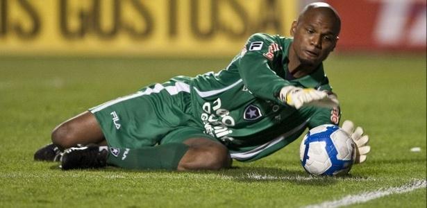 Jefferson, goleiro do Botafogo, em lance contra o Santos