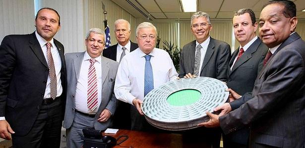 Comitiva de Salvador oficializa na CBF desejo de receber a abertura da Copa-2014