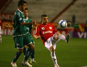 Além de D'Alessandro (f), Giuliano também ficará de fora de jogos do Internacional no Brasileirão