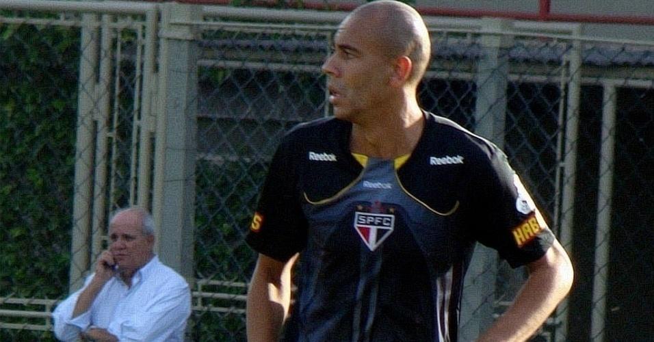 Recuperado de lesão, Alex Silva treina