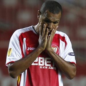 Luís Fabiano tenta deixar o Sevilla e voltar ao Brasil ou jogar em um clube grande da Europa
