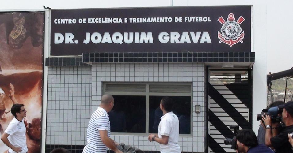 Ronaldo e Dentinho inauguraram o novo CT do Corinthians