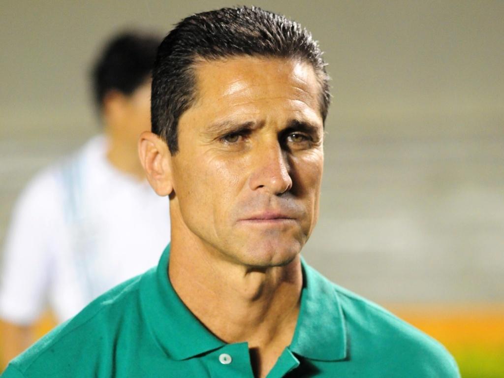 Jorginho, técnico do Goiás, durante a partida contra o Flamengo