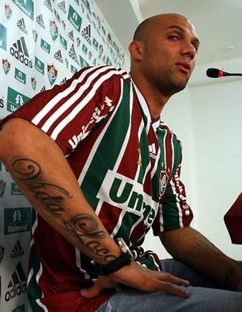 Tatuagem de Fábio Santos