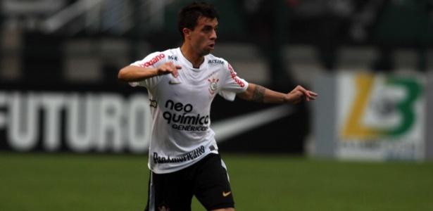 Defederico em ação pelo Corinthians, em 2010