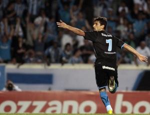Jonas ultrapassou Ronaldinho Gaúcho e mira Renato entre artilheiros históricos do Grêmio