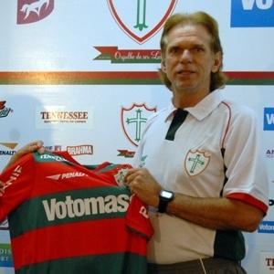 O gerente de futebol Wolnei Caio (e) e o técnico Sérgio Guedes