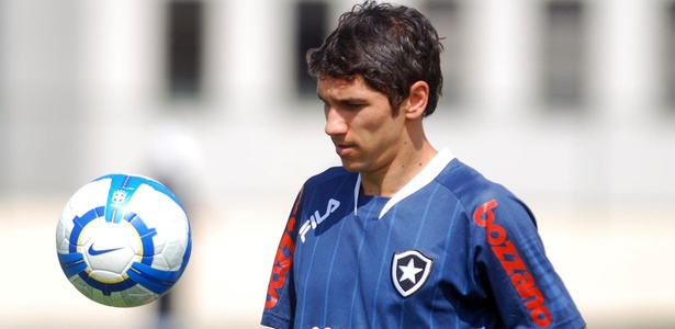 Lucio Flavio já passou por vários clubes brasileiros, entre eles o Botafogo