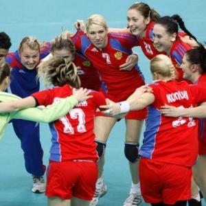 Rússia comemora quarto título mundial conquistado após vitória sobre a seleção francesa por 25 a 22