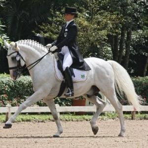 Luiza de Almeida e Samba, seu cavalo