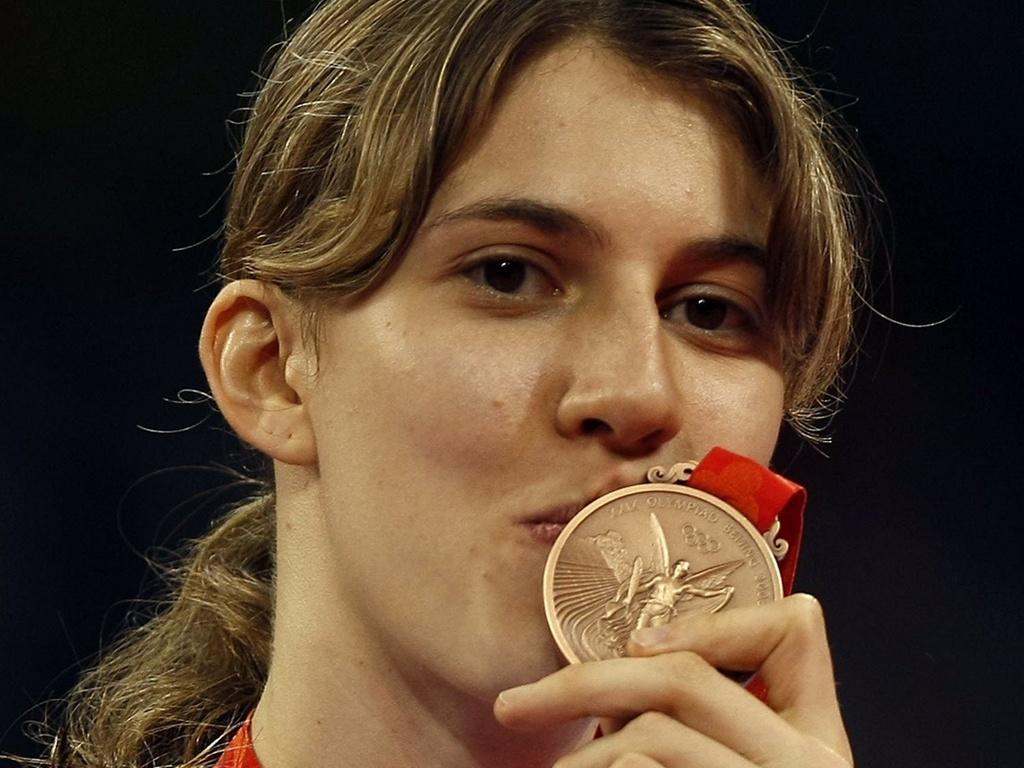 Natália Falavigna comemora o bronze nos Jogos Olímpicos de Pequim