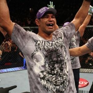 Rodrigo Minotauro vinha de derrota para Cain Velasquez, mas acabou sendo cortado do UFC 119, quando teria sua revanche contra Frank Mir