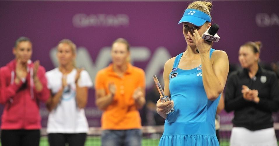Elena Dementieva chora ao anunciar sua despedida do tênis