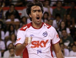Rodrigão nega, via Twitter, que estivesse agenciando jogadores no Pinheiros. Na última semana, o atleta foi afastado da equipe pelo treinador Mauro Grasso