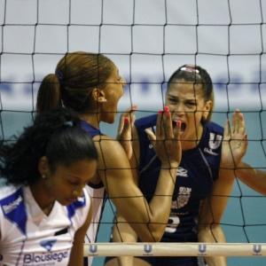 Joycinha (e) e Érika (d) foram os destaques da Unilever na vitória desta quinta sobre o S. Caetano