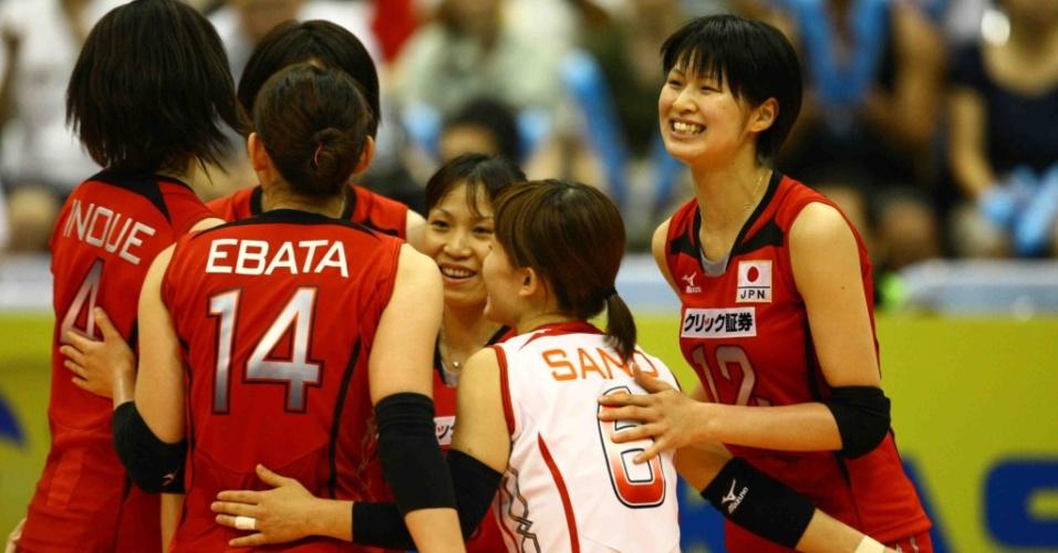 Seleção japonesa comemora ponto no Grand Prix